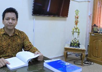 Rizal Yaya, S.E., M.Sc., Ph.D., Ak, CA.